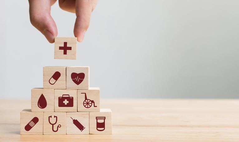 ガン保険や生命保険の見直しと合わせて老後の資金づくりを考えてみませんか?